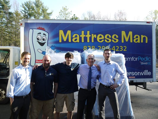 636459112572691956-mattress-man-staff.jpg