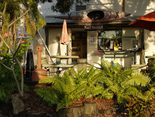 Marinatown Bait Shop is located at 3444 Marinatown