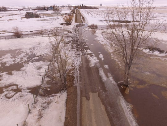 Flooding on Iowa Loop in Pondera County.