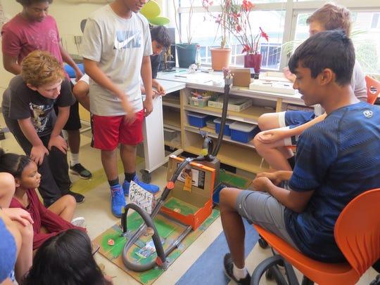 Seventh graders at The Wardlaw+Hartridge School in