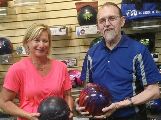 two bowlers win the highest average distinction for the bowling season