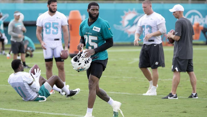 Miami Dolphins cornerback Xavien Howard is working to return to practice.