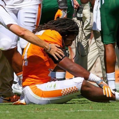 Tennessee linebacker Jalen Reeves-Maybin sprained a