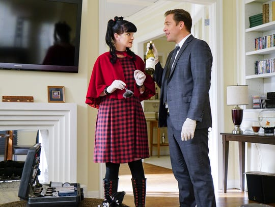 Stylish Abby (Pauley Perrette) and NCIS agent Tony