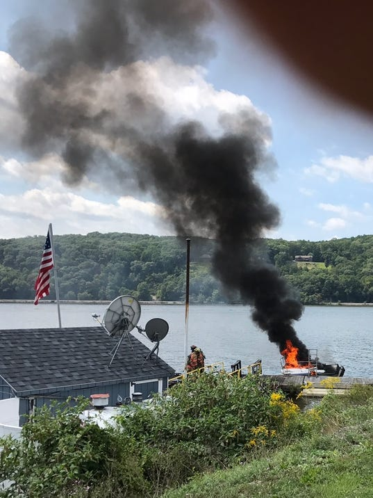 Hyde Park boat fire