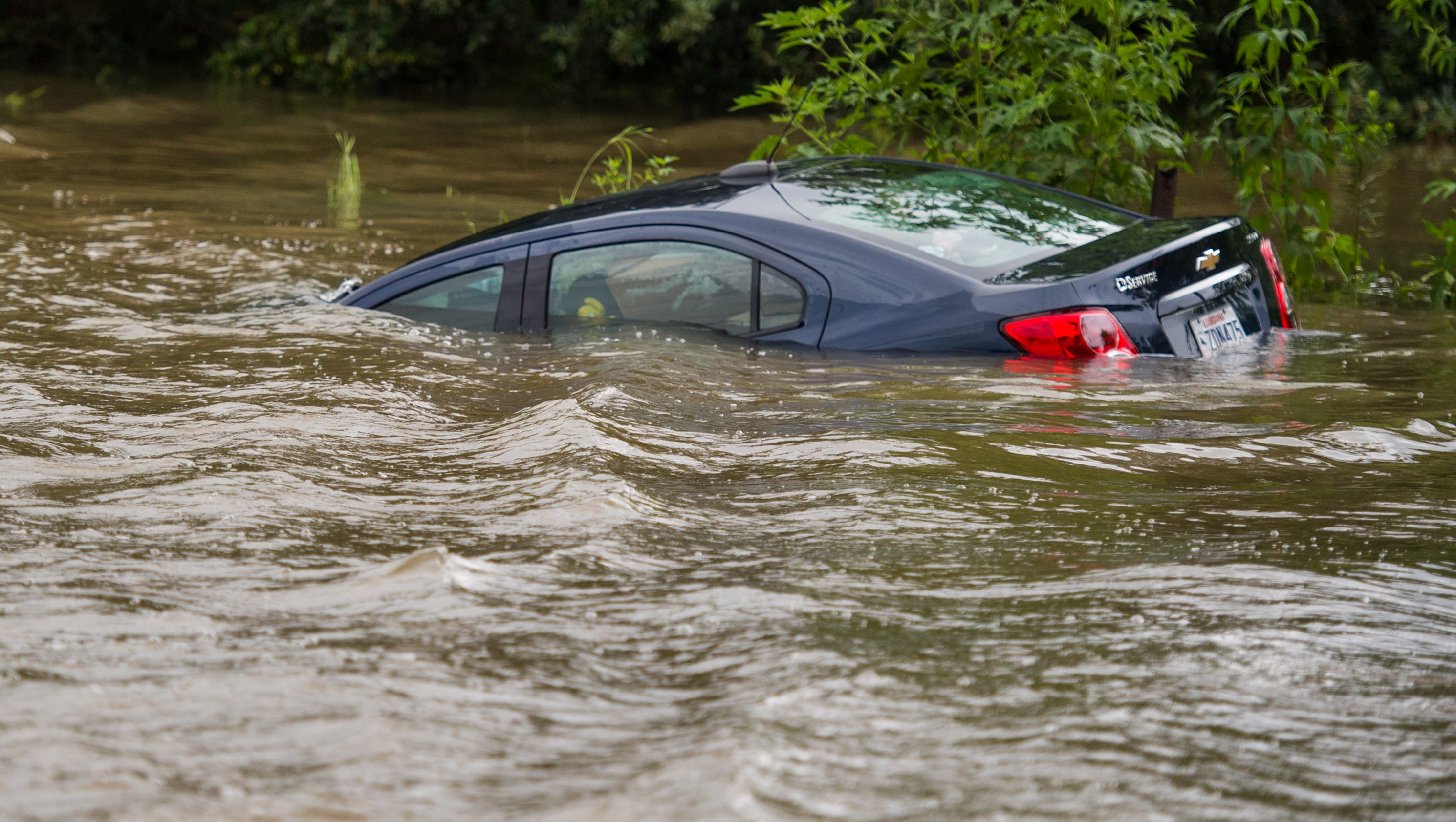 Thousands of people rescued from Louisiana flooding