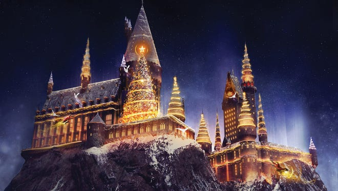 A new Christmas experience is coming to The Wizarding World of Harry Potter at Universal Orlando Resort as part of the destination's resort-wide Holiday celebration, which will run from November 18, 2017 to January 6, 2018. Christmas in The Wizarding World of Harry Potter will give guests a special opportunity to see, feel and even taste what it's like to celebrate the magic of Christmas in J.K. Rowling's Wizarding World.As night falls, a magical holiday transformation of Hogwarts castle will take place right before guests' eyes.  Incredible state-of-the-art projection mapping and special effects will wrap the iconic castle – bringing holiday spirit and memorable Christmas moments from the Harry Potter series to life like never before.  Festive décor like ornate garlands will line the streets of both Hogsmeade and Diagon Alley.  Each storefront will be decked out with uniquely-themed decorations, and guests will enjoy special holiday themed food, drink and entertainment.