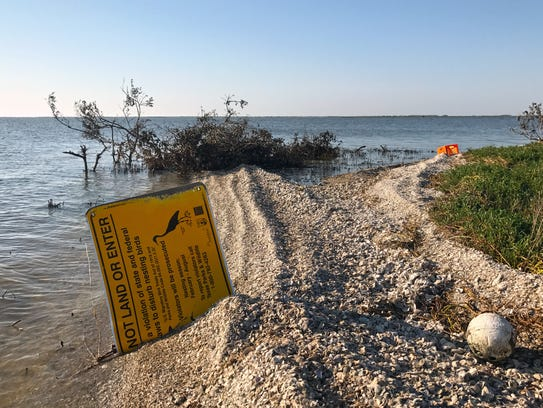 These signs warn boaters, anglers and paddlers not