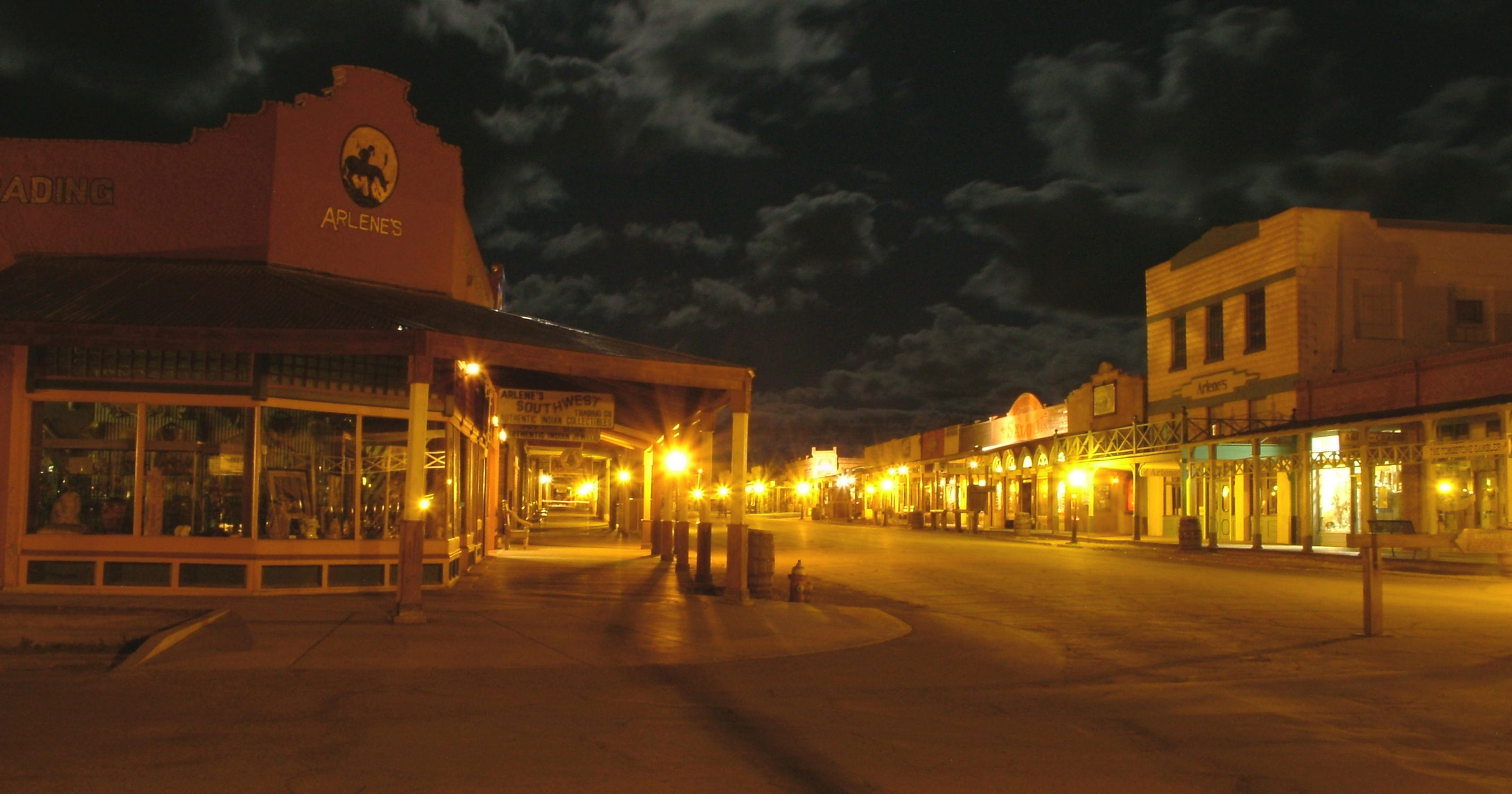 Tombstone at Twilight: New life for dusty Western town