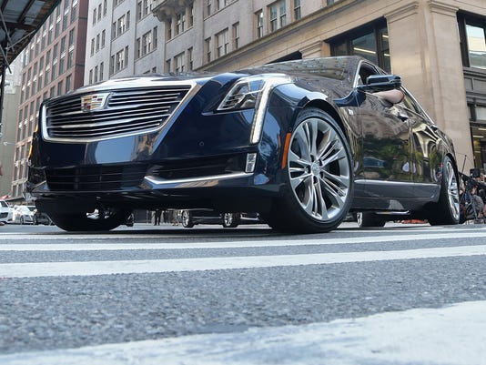 Cadillac Rolls Out Self Driving Car On The Freeway Ct6 With Super