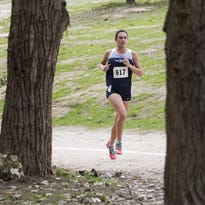 Central Valley Christian's Shani Slabber and the Cavaliers will defend their Division IV state title on Saturday at the 2015 CIF State Cross Country Meet at Woodward Park in Fresno.