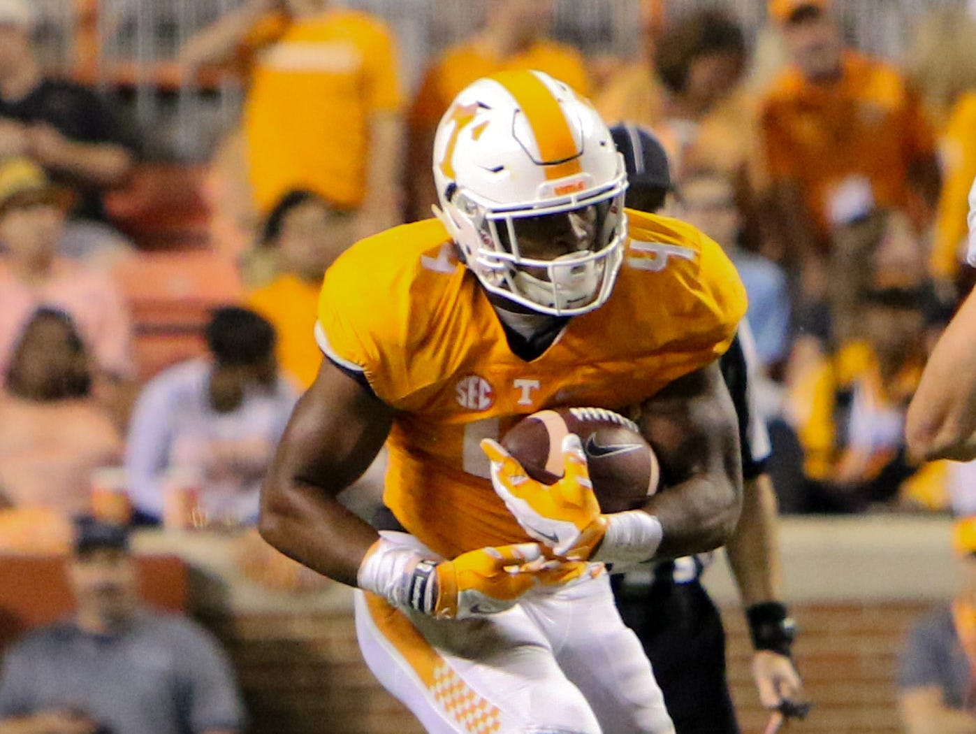 Sep 19, 2015; Tennessee Volunteers running back John Kelly.