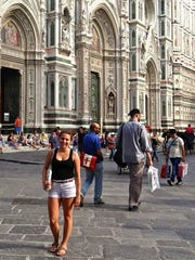 Jenna Intersimone in front of the Cattedrale di Santa