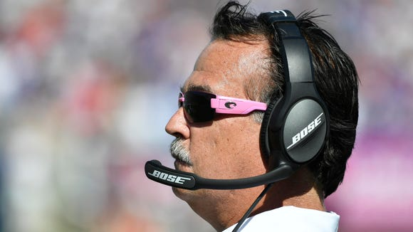 Los Angeles Rams head coach Jeff Fisher in the first