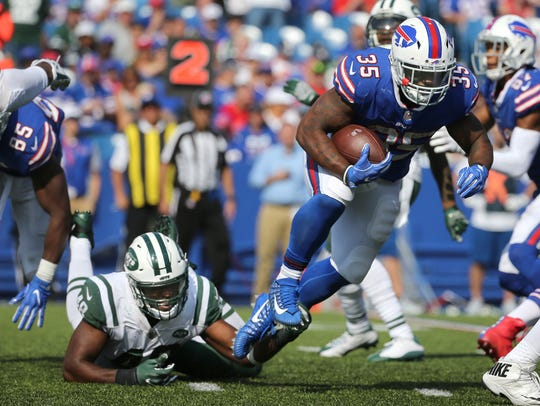 Bills running back Mike Tolbert finds running room