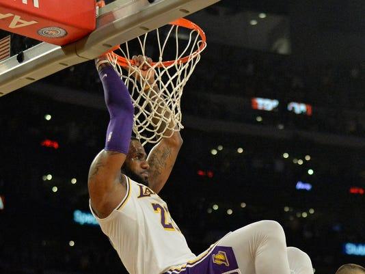 USP NBA: ATLANTA HAWKS AT LOS ANGELES LAKERS S BKN LAL ATL USA CA
