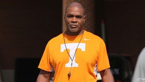 Tennessee linebackers coach Tommy Thigpen.