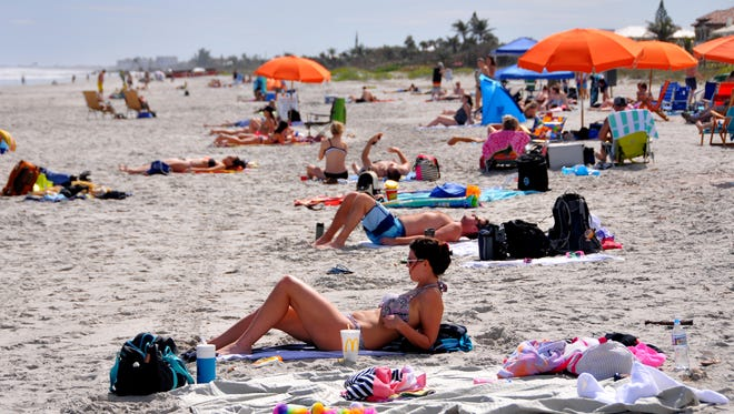 Friday was a gorgeous beach day for vacationers and spring breakers at Minutemen Causeway, but the weekend is supposed to hopefully be the last cold snap of the year with cooler temperatures, winds and rough waves.