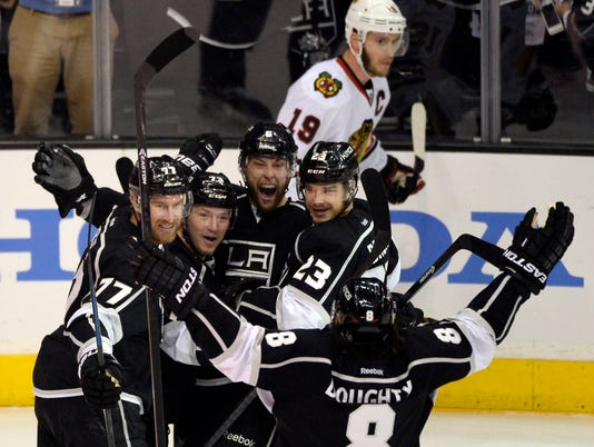kings blackhawks 5-26