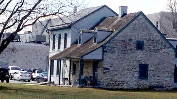 strickler-farmhouse-2_500