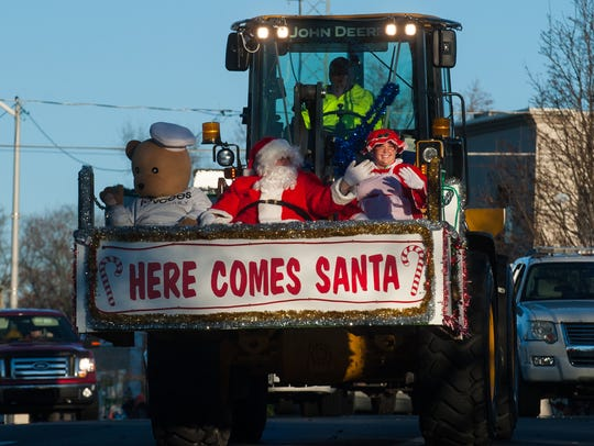 Santa and Mrs. Claus make an appearance at a previous