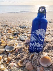 The Coastal Connections reusable water bottle features