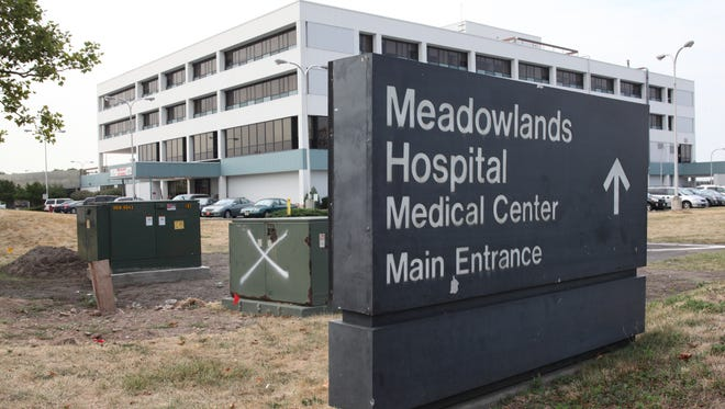 The sale of Meadowlands Hospital Medical Center to a company owned by Yan Moshe, a Long Island real-estate developer, has been approved by state officials.