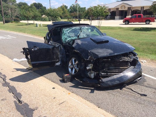 Ford Mustang - Bossier City Fatal Crash 9-20-14.JPG