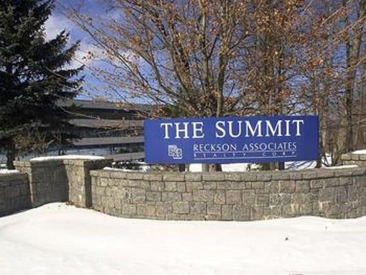636313060654085987-Summit.jpg