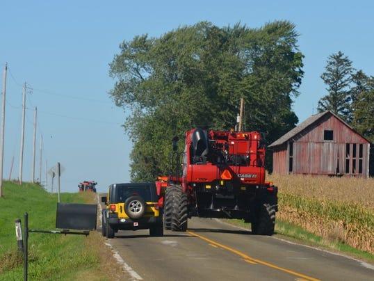 farm-equipment-road.JPG