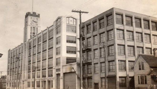 Aluminum Goods, Washington Street, Manitowoc; circa 1930.
