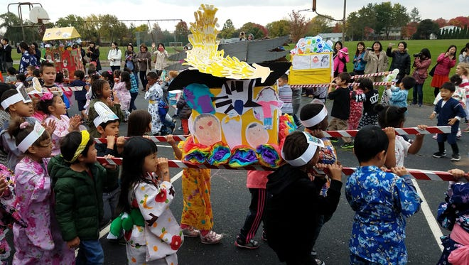 Students made floats themselves for the Akimatsuri parade.