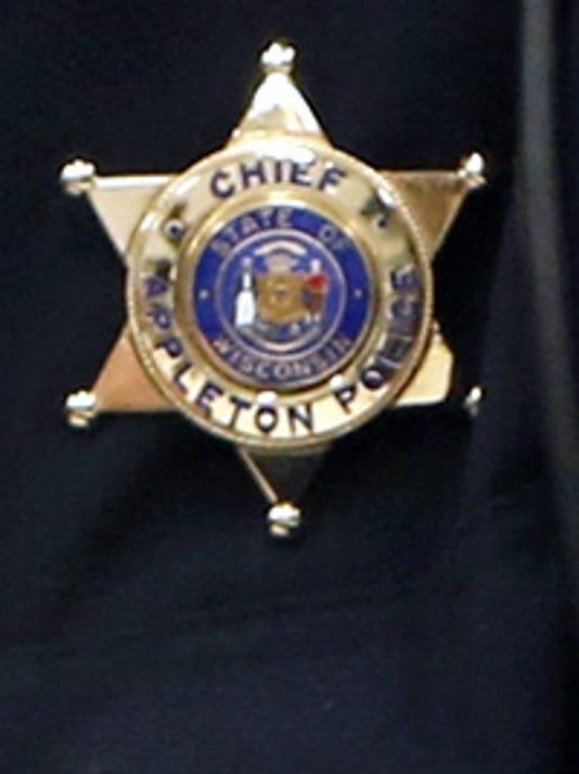 636107448212361734-POLICE-badge.jpg