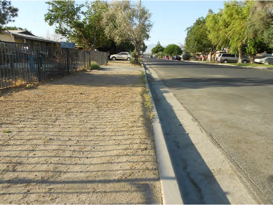 School route without a sidewalk on Main Street south