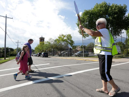 636088396843853158-SPJ-20160907-Crossing-Guard.jpg