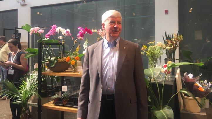 Gov. Rick Snyder joins Ontario premier to tout Detroit-Windsor joint Amazon bid