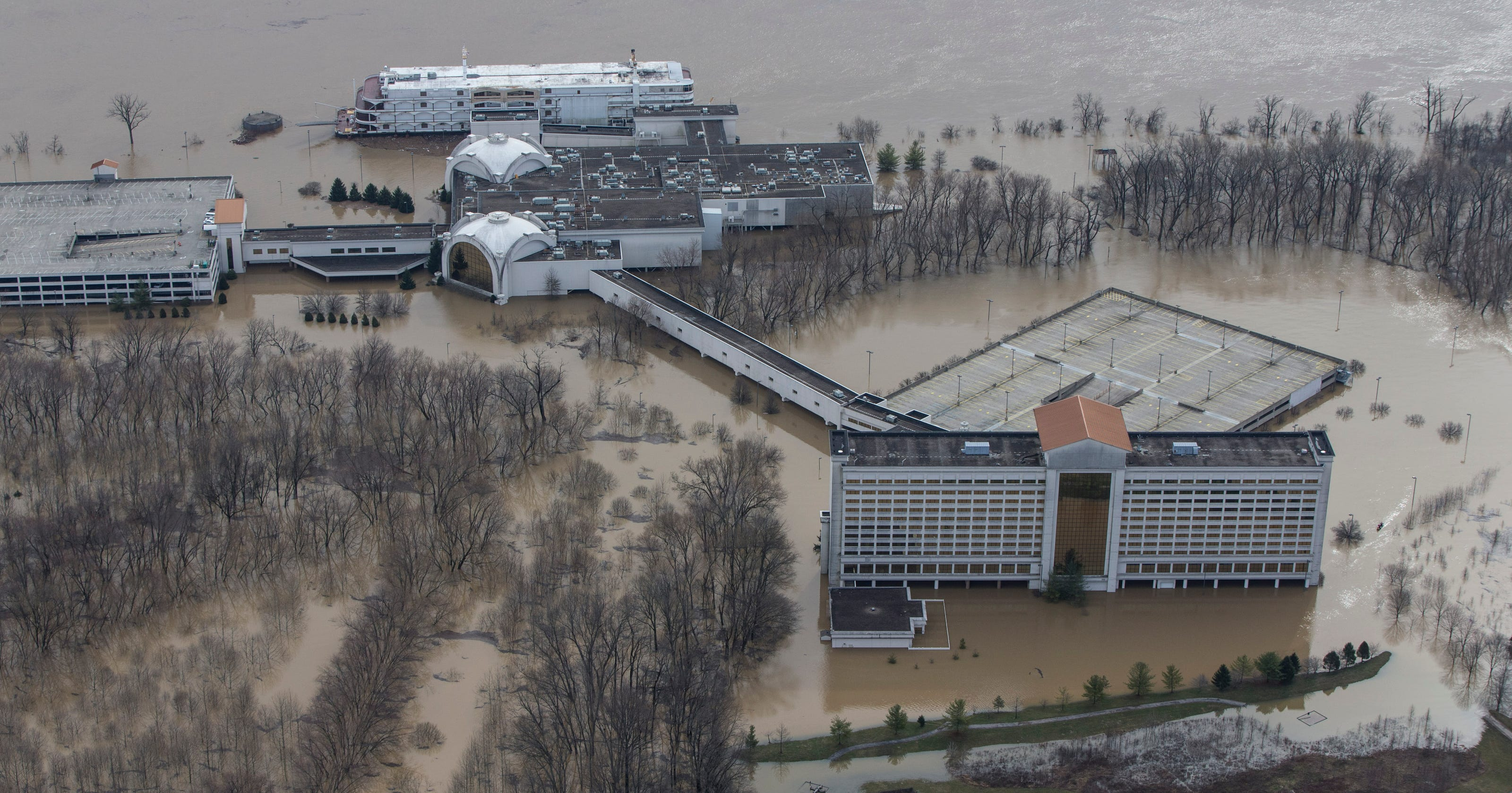 Flooding closes Horseshoe Southern Indiana casino, costing taxpayers