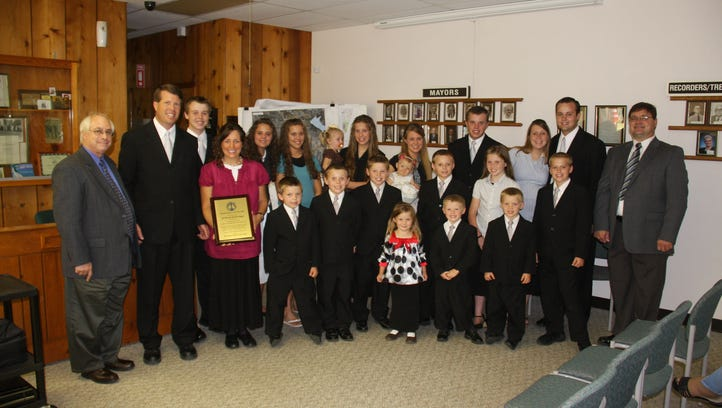 "Duggar Family Awarded ""2009 National Parents of"