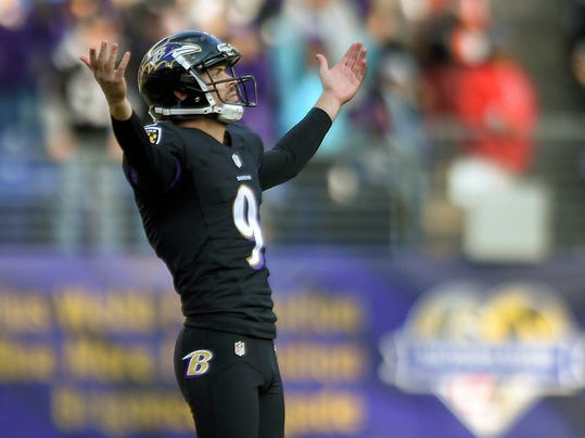 Baltimore Ravens kicker Justin Tucker (9) celebrates his field goal during the first half of an NFL football game against the Baltimore Ravens in Baltimore, Sunday, Nov. 27, 2016. (AP Photo/Nick Wass)