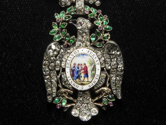 Washingtons Bejeweled Medal