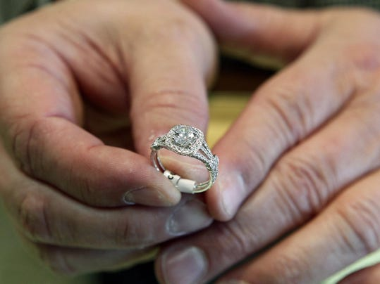 get your engagement ring insured heres how - Wedding Ring Insurance