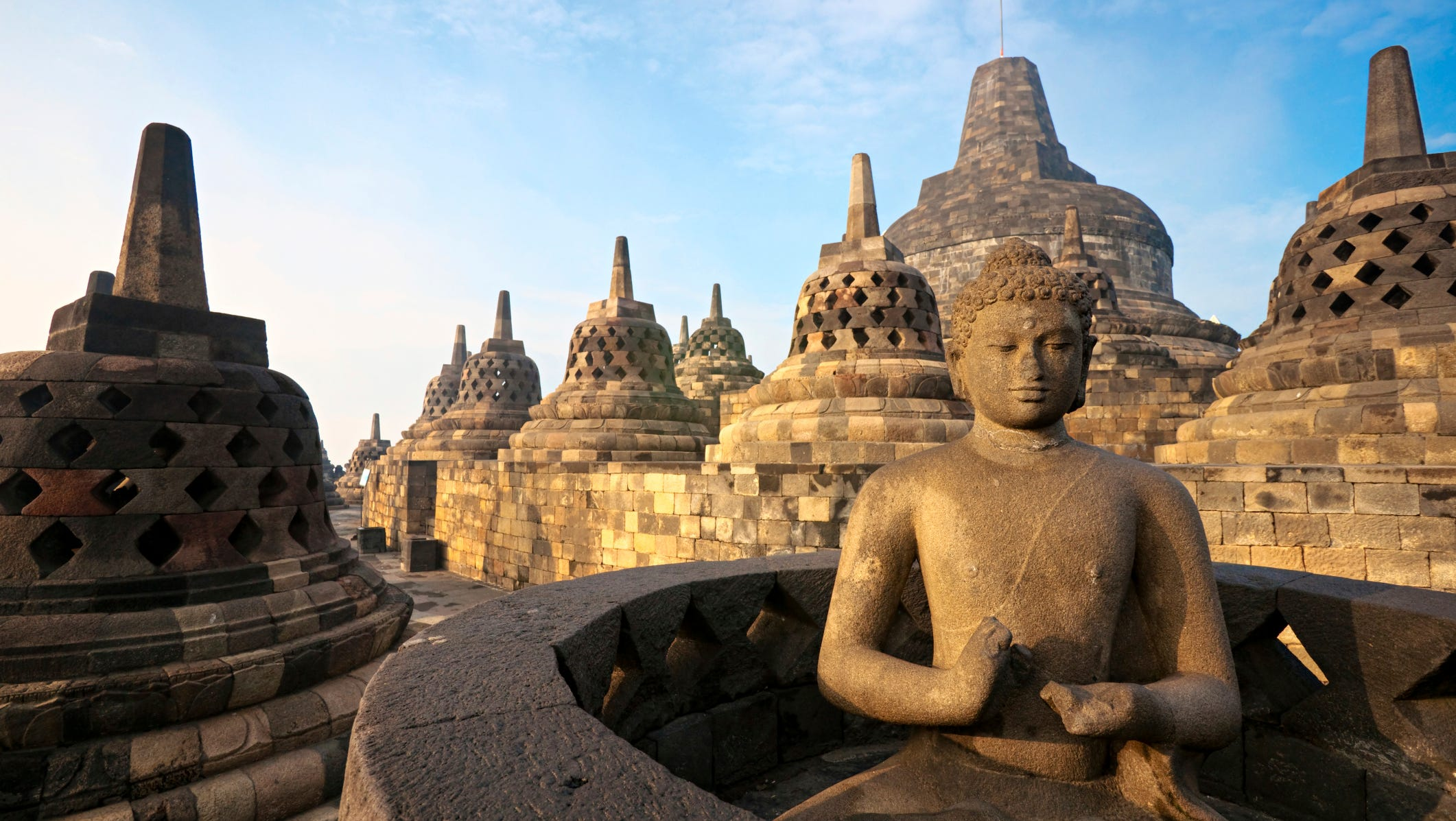 1397674828000 Borobudur Luciano Mortula iStock jpg?width=2122&height=1197&fit=crop&format=pjpg&auto=webp.'