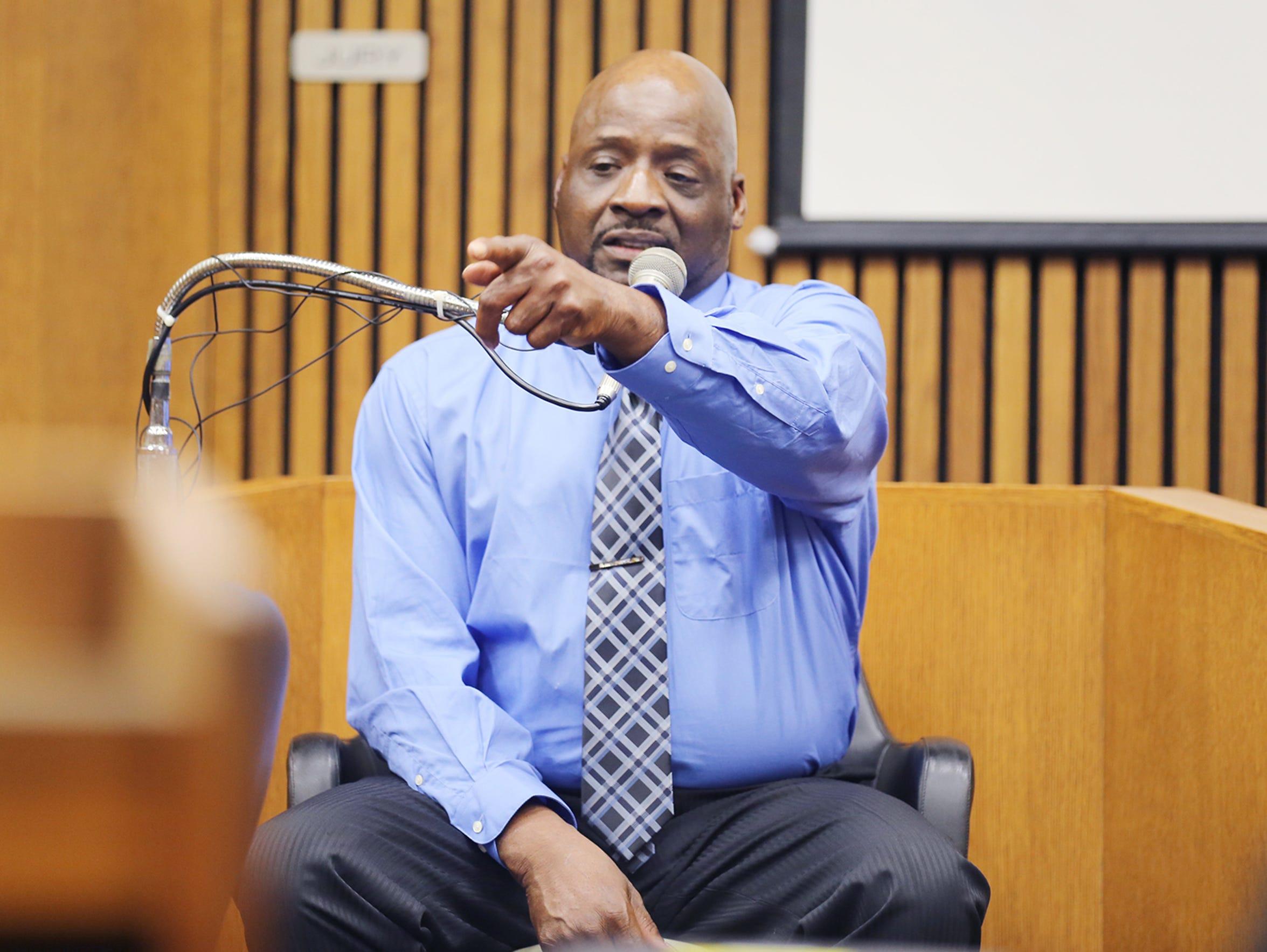 Floyd Dent testifies against ex-Inkster police officer