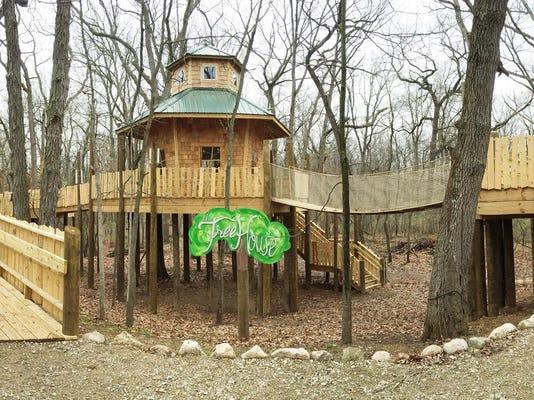 Nature Center Tree House_01