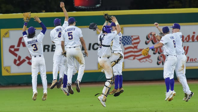 LSU beats Mississippi State in game 1of the NCAA Super Regional at Alex Box Stadium in Baton Rouge, LA.- Saturday, June 10, 2017.