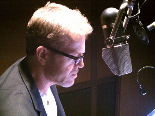 Audio book narrator Scott Brick.