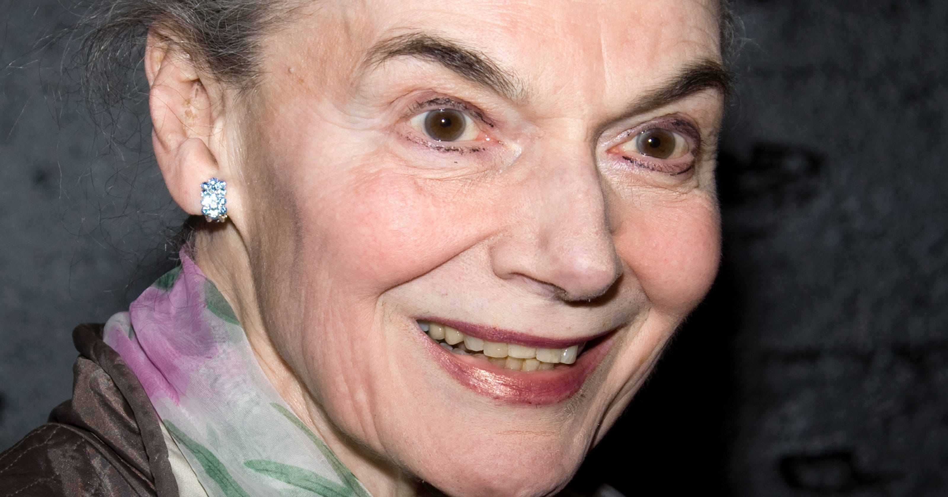 Broadway marquees to dim to honor Marian Seldes
