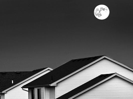 Another Look: Full Moon