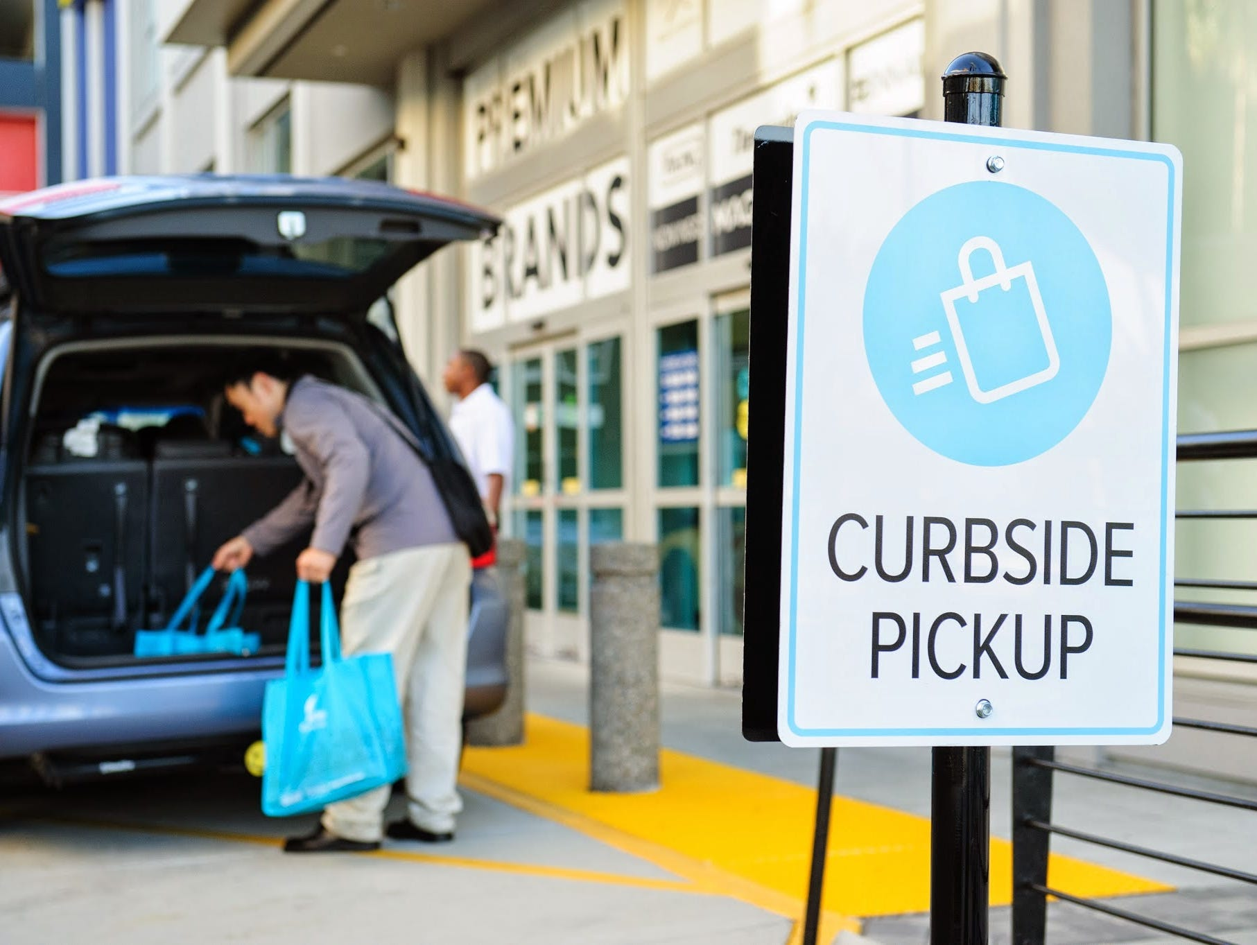Curbside just locked down $25 million in Series B funding, which will help its pick-up service to expand beyond the Bay Area and the New York/New Jersey area.