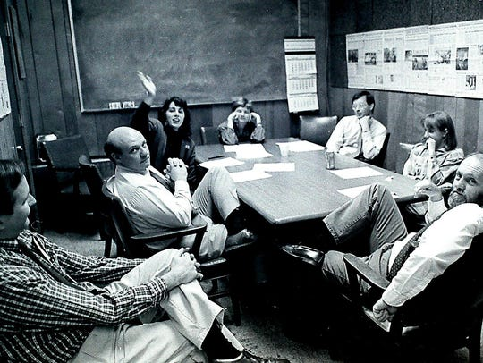 A News-Sentinel news meeting circa 1990 with Bob Norris, left, Vince Vawter, Sonya Doctorian, Linda Fields, Jack Lail, Amy Nolan and Frank Cagle. (NEWS SENTINEL ARCHIVE)